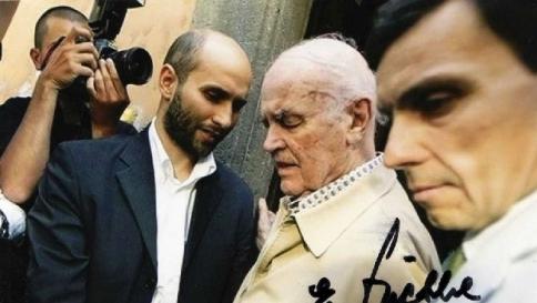 Priebke, niente funerali ad Albano Il sindaco firma l'ordinanza di stop