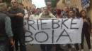 Priebke, scontri ad Albano: due fermi Saltano i funerali, la salma lascia il paese