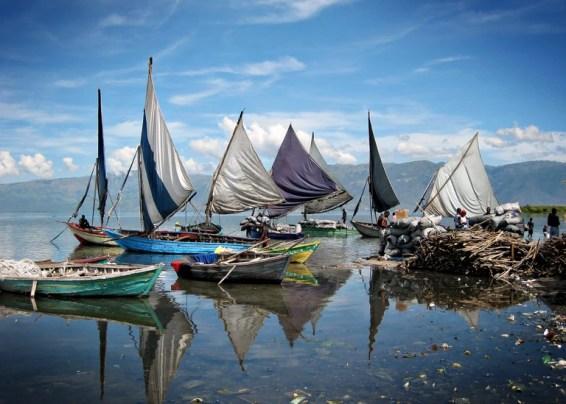 Fishing boats returning home
