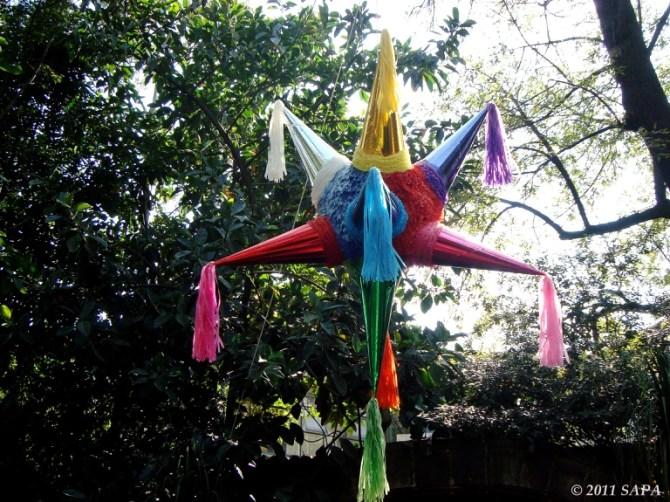 Piñata │ © S. Alexis/Flickr