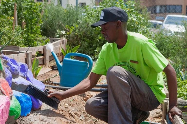 Zamu at work in a Khulisa garden
