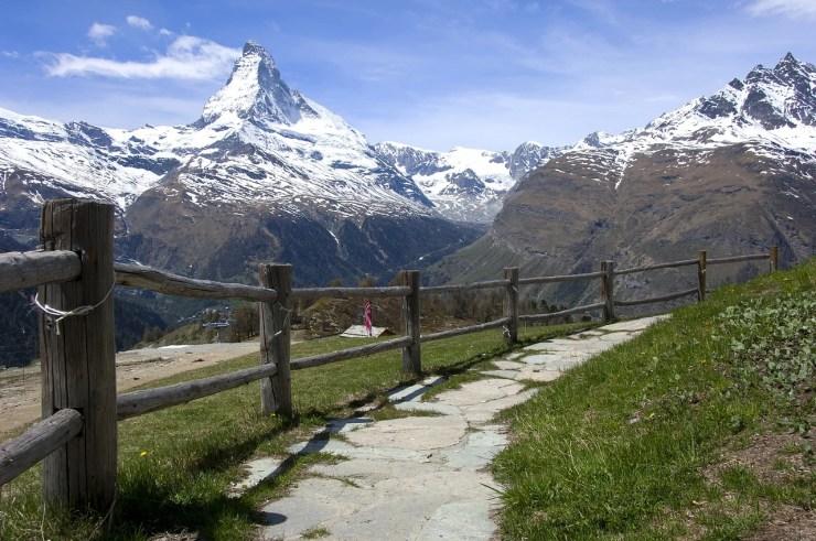 AlpsTour, Travel