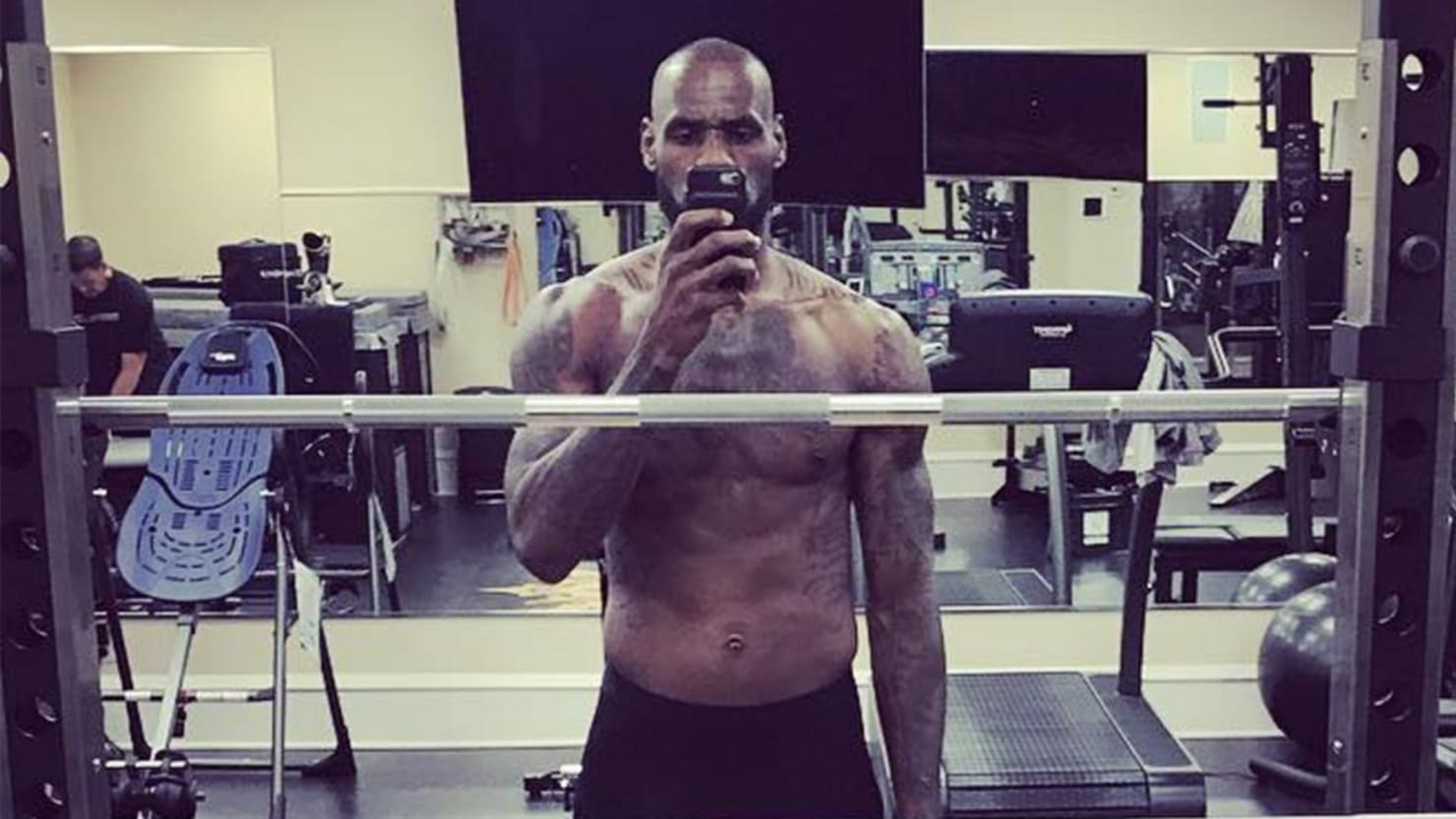 LeBron James Shaves His Head Bald And Its About Damn Time