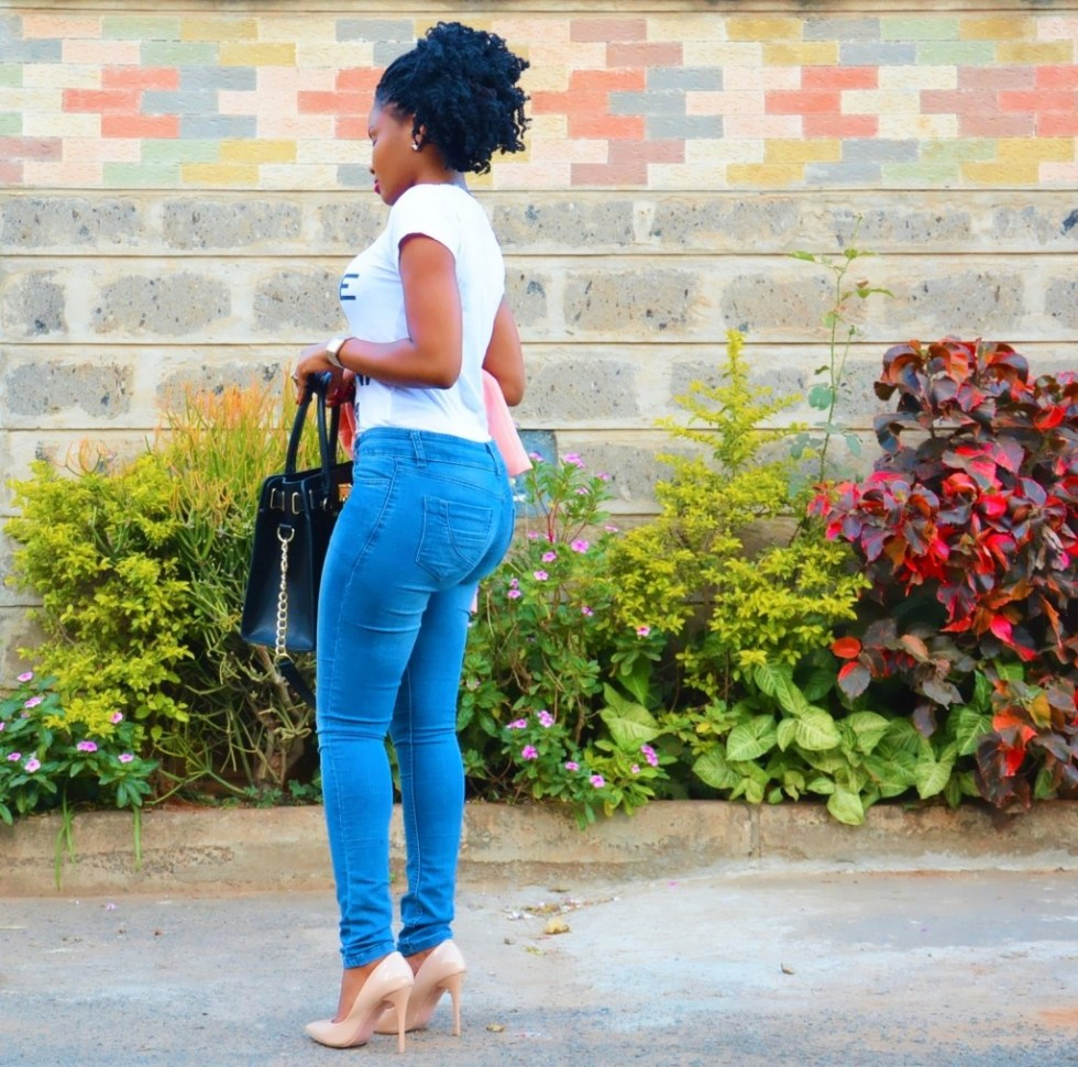 the elegant lane jeans and a tee 2