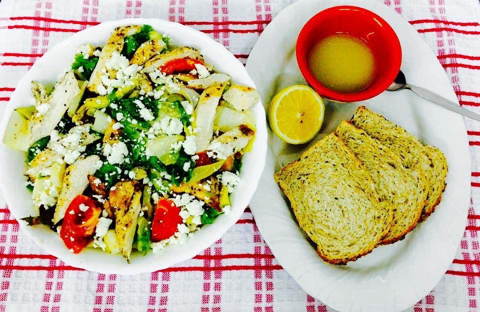 Grilled chicken vinaigrette salad