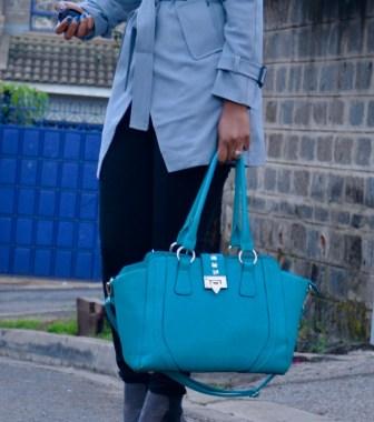 blue-weekend-bag-or-travel-bag