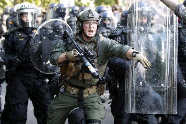 Police begin to clear demonstrators
