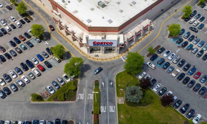 Costco Beats Estimates on Pandemic Boost