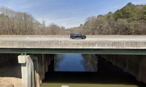 Bridge Being Demolished Collapses, Killing 1, Injuring 2