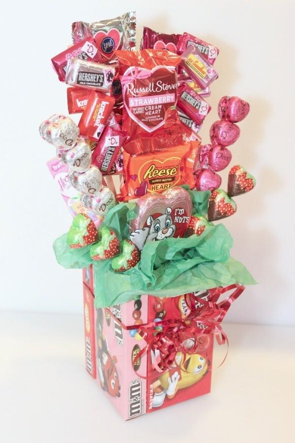 Making A Valentines Day Candy Bouquet ThriftyFun