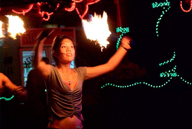 3 жемчужины Андамана. Fire show на Loh Dalam Beach.