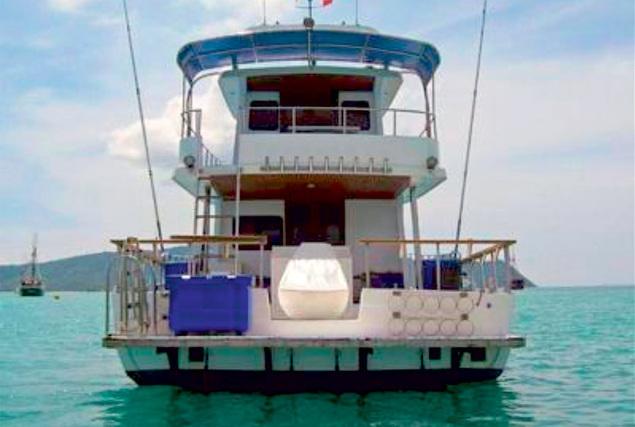 Рыбацкая лодка Барракуда. Аренда лодок на Пхукете.