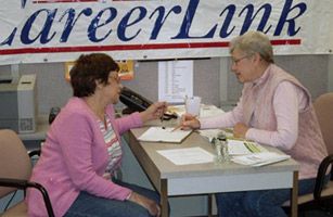 Older Workers, Hurt by Recession, Seek New Jobs