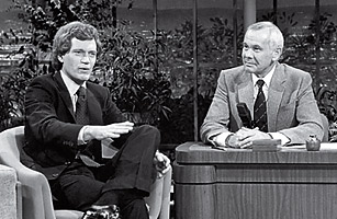 Carson chats with Letterman on The Tonight Show in 1982; he was believed to favor Letterman over Leno.