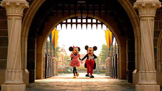 Can Hong Kong Disneyland Get the Magic Back?