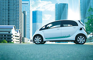Japanese Automakers Launch Their First Battery-Powered Cars