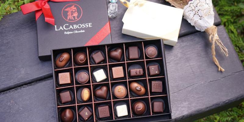 LaCabosse比利時手工巧克力情人節買2送1。台灣女孩跟比利時男孩擦出愛的巧克力。高質感暖心爆漿的比利時巧克力--踢小米食記