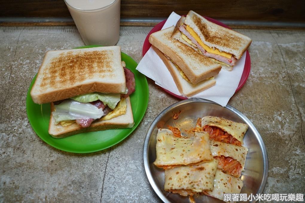 新竹美食|興吐司|隱藏在關東市場的酒釀豬肉蛋碳烤吐司(菜單營業時間地址電話)