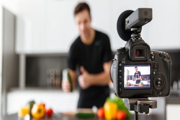 Vlog là gì? Tất tần tật những thông tin về Vlog cần nắm rõ - Ảnh 1