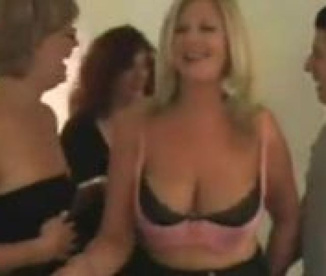 Mature Women Invites Young Guy For Sex Party