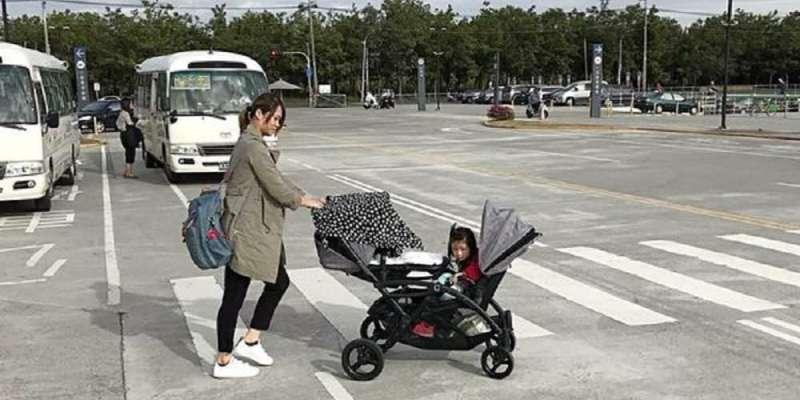 【親子育兒】❤六甲村 Mammy village 隨哺樂行動哺乳巾 移動的哺乳巾