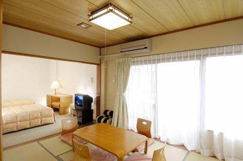 小涌谷温泉 ウィスタリアンライフクラブ ヴェルデの森/客室