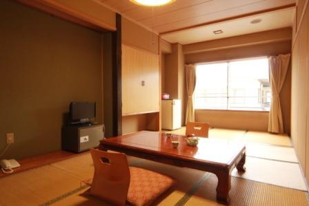 さらしな湯の里 八幡温泉 ホテルうづらや/客室