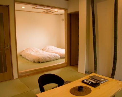 山桜 桃の湯/客室