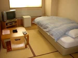 ビジネスの宿 新鶴屋/客室