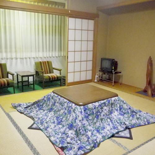 横手・山本荘/客室