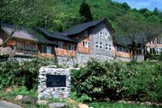 小さなホテル 四季の森山荘/外観