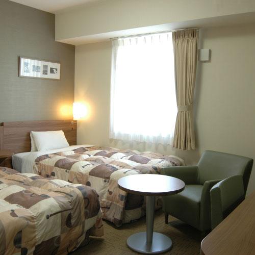 ホテルエコノ亀山/客室