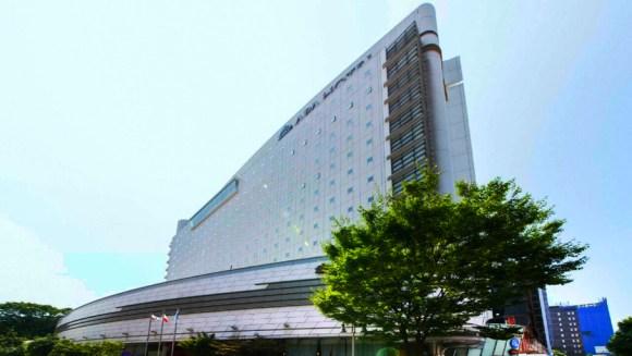 アパホテル<金沢駅前>/外観