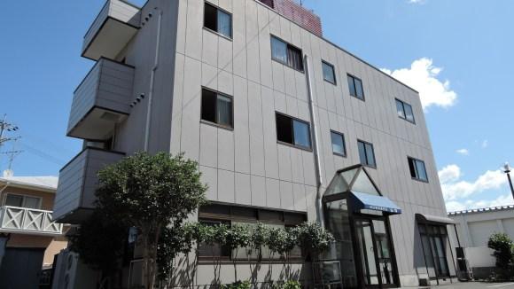 ビジネスホテル山海/外観