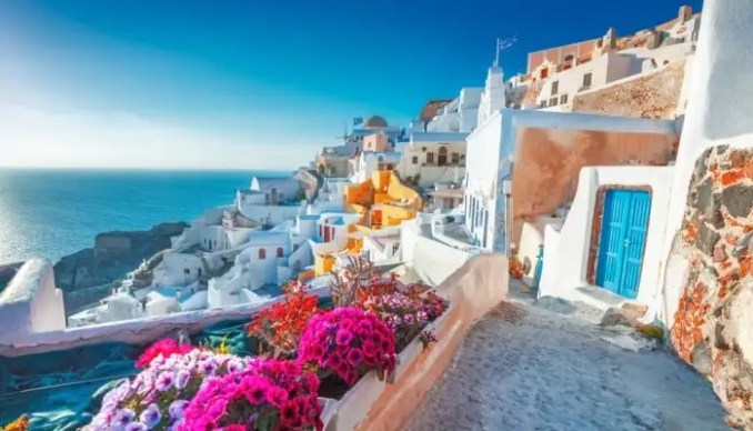 10 Amazing Places to Visit in October for Your Perfect Relaxation