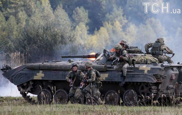 Reuters показав динамічні фото міжнародних військових навчань Rapid Trident-2017 в Україні