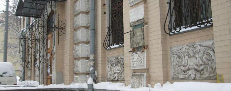 Картинки по запросу бронзове погруддя Лесі Українки музей видатних діячів фото