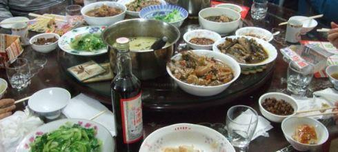 過年的廚房是女人的戰場...年菜共20道 23人份