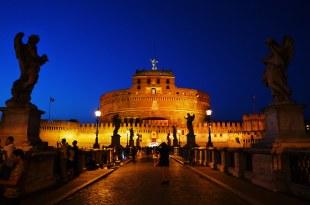 [自助旅行]義大利羅馬聖天使堡夜間參觀。踏上天使與魔鬼的教宗密道!
