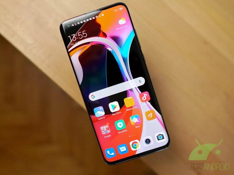Xiaomi Mi 11 sarà uno smartphone premium: le specifiche tecniche leak