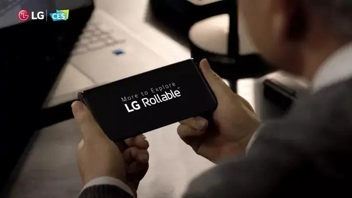 """LG crede ancora nei display """"srotolabili"""" e mostra lo smartphone Rollable"""