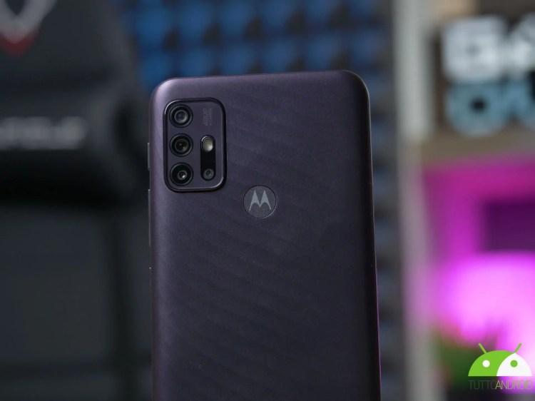 Ecco le ultime anticipazioni su tre nuovi smartphone di fascia media di Motorola