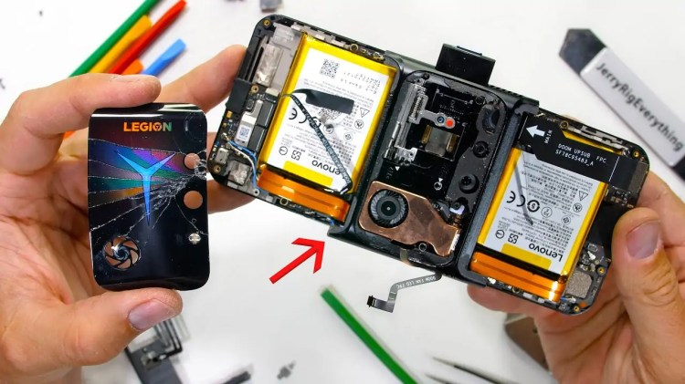 JerryRigEverything mostra perché il Lenovo Legion Phone Duel 2 è cosi fragile