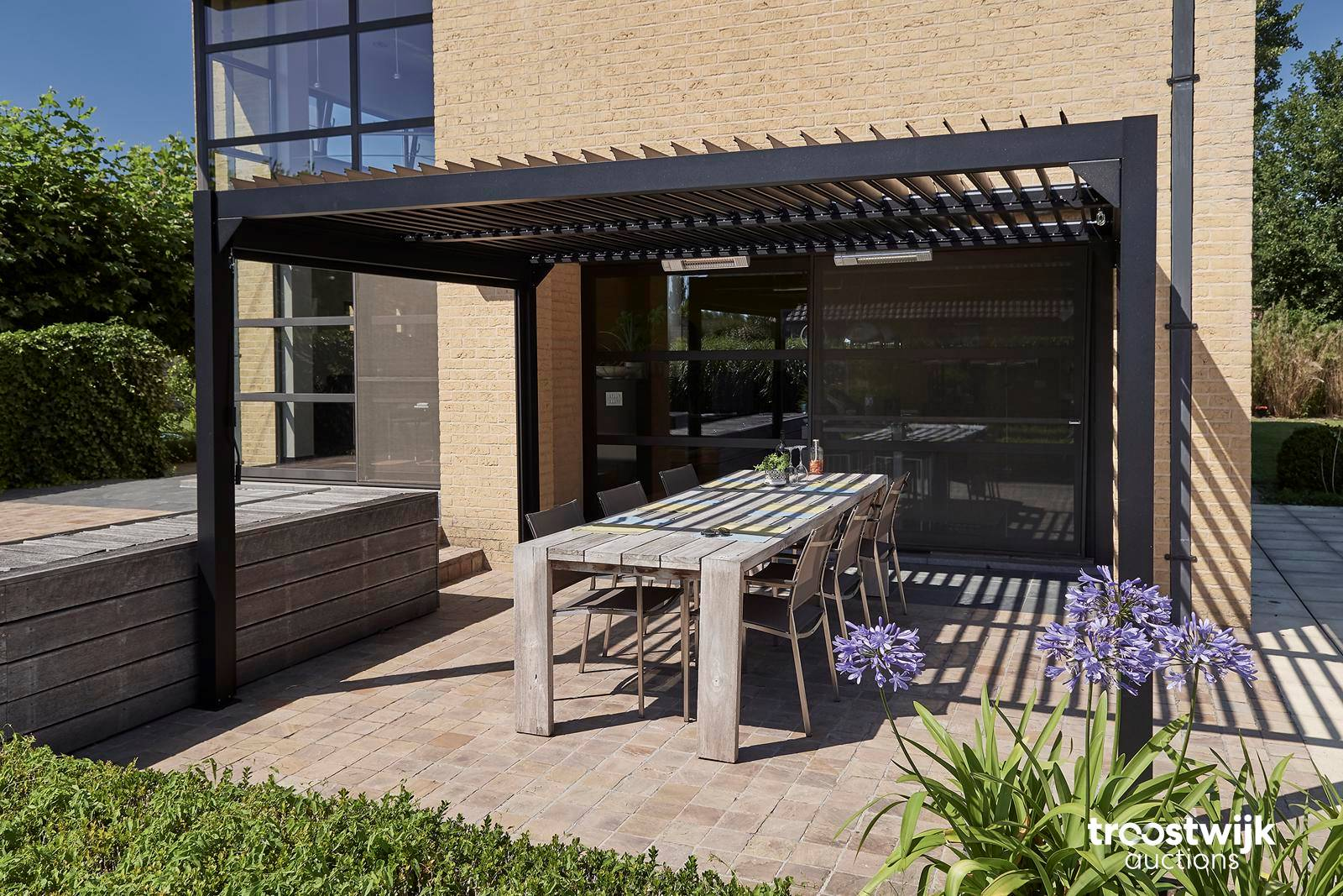 solidcube 3x3 patio cover with louvered