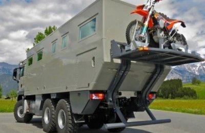 Zırhlı kamyon gibi görünen lüks rezidans