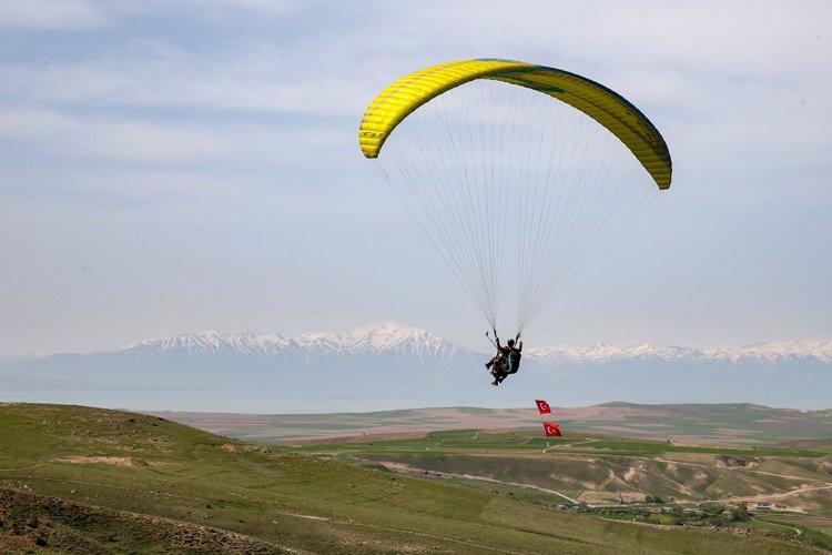 1595072703 972 Trabzonda Turkiye Yamac Parasutu Hedef Sampiyonasi 1 Etap Yarismasi basladi