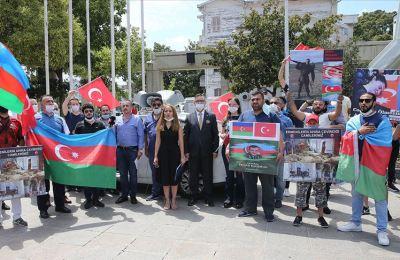 Sivil toplum kuruluşu üyeleri Ermenistan'ın Azerbaycan'a saldırılarını protesto etti
