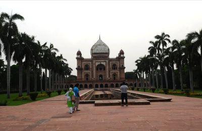 Hindistan'da Kovid-19 yeni sıcak noktalara yayılıyor