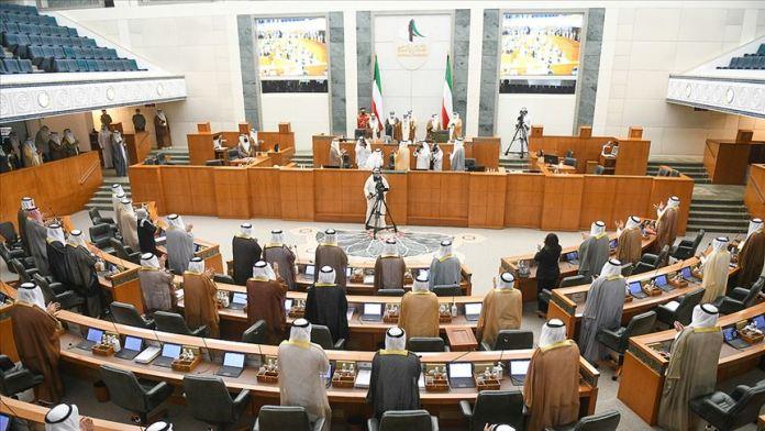 Kuveyt'in yeni Emiri zorluklarla birlik içinde mücadele çağrısında bulundu