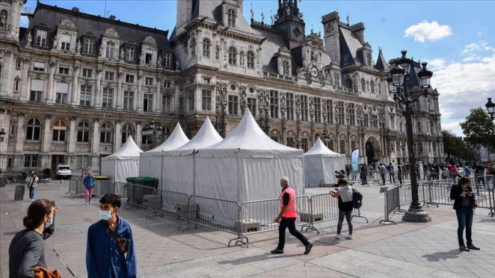 Fransızların yüzde 61'ine göre Macron, Kovid-19 kriziyle başa çıkamadı
